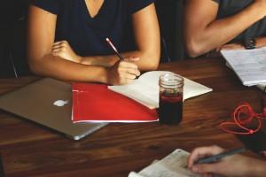 จดบันทึกการประชุมยังไงให้ได้ใจความครบถ้วน!