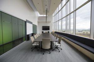 มารยาท การใช้ห้องประชุม เก็บเก้าอี้ให้เรียบร้อยก่อนออกจากห้องประชุม